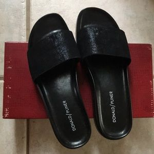 Donald Pliner Fiji Slides in Black Metallic